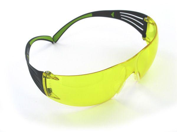 3M™ Schutzbrille SecureFit SF403AS/AF, gelb, Rahmen schwarz/grün